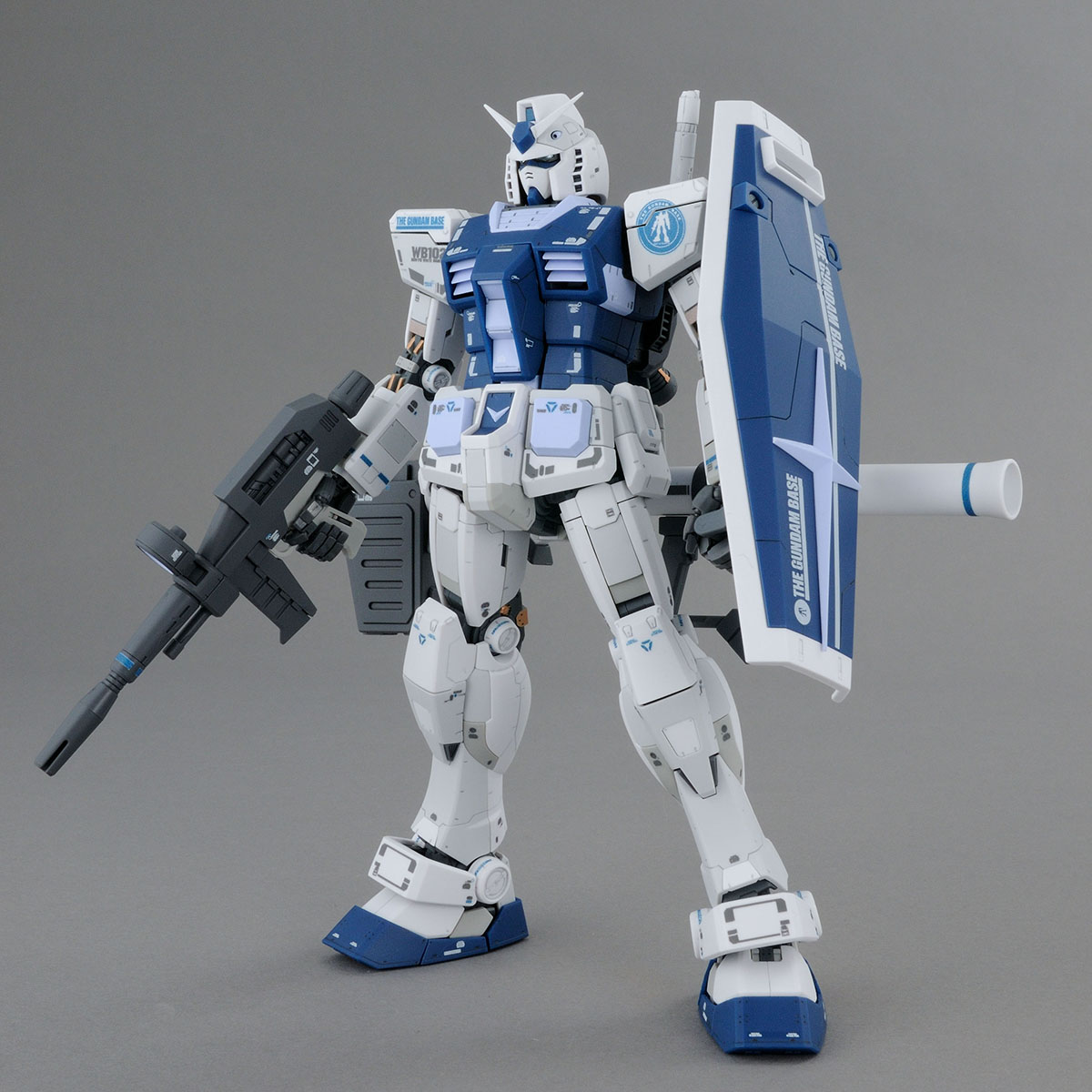 MG 1/100 RX-78-2 鋼彈 Ver.3.0(THE GUNDAM BASE COLOR) TGB限定